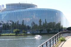 Europäisches-Parlament-Straßburg-Spiegelbilder-02