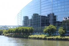 Europäisches-Parlament-Straßburg-Spiegelbilder