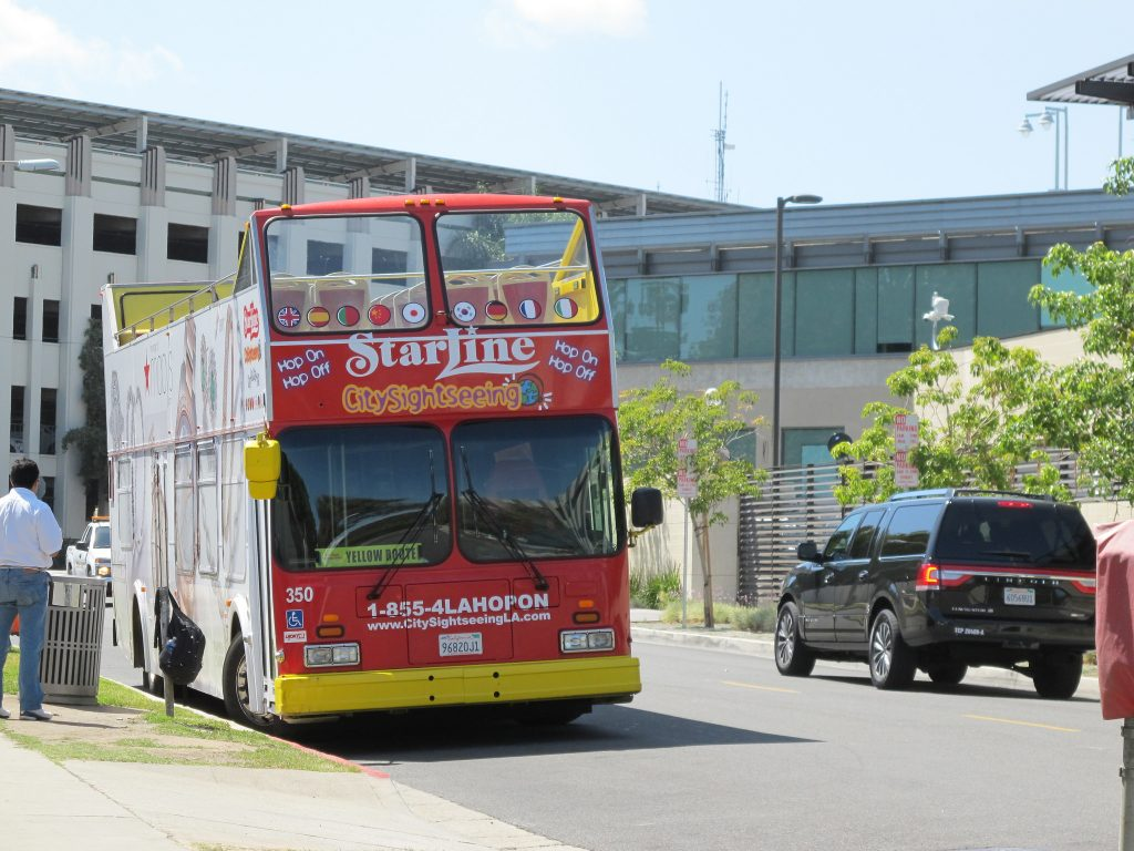Starline Bus Los Angeles