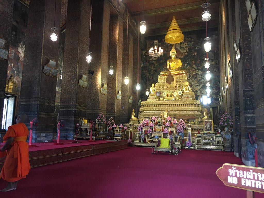 Ubosot - Wat Pho - Bangkok Temple-Tour