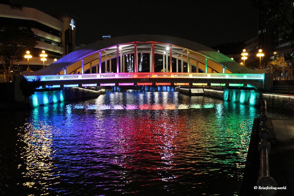 Brücke in Singapur beleuchtet - Meine schönsten Fotos