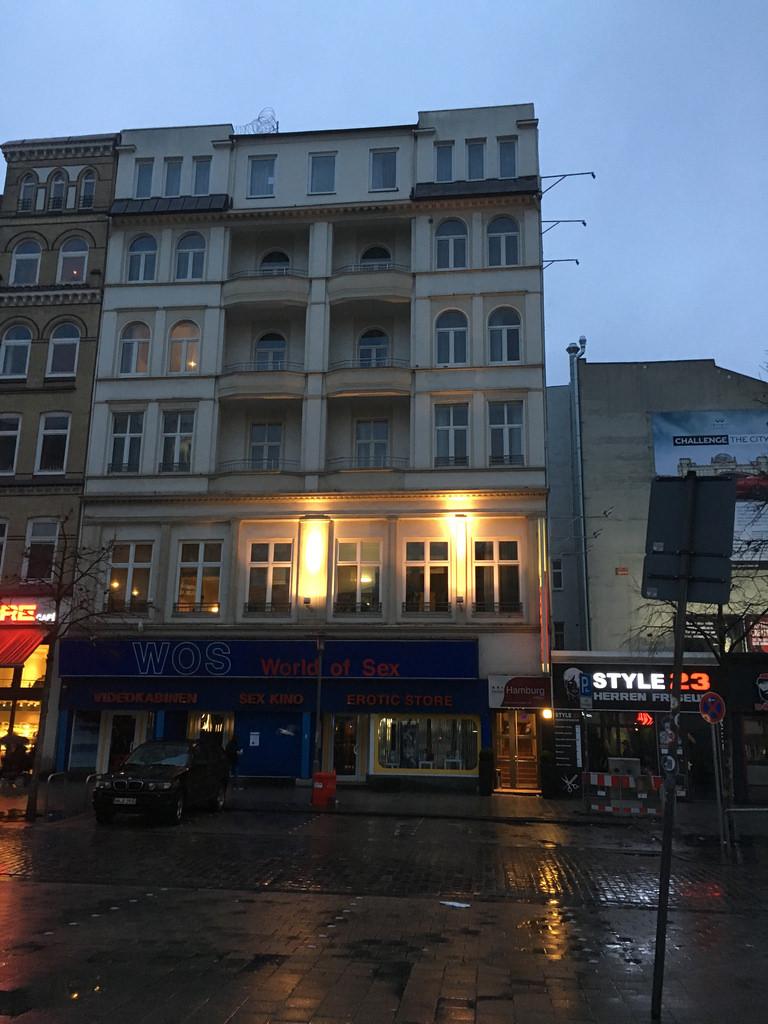 Novum hotel hamburg stadtzentrum eingang reisefeeling for Schicke hotels hamburg