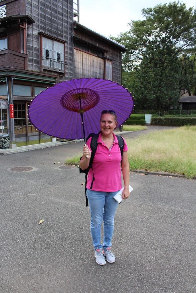 Edo Freilichtmuseum Tokyo - Tanja mit Ölpapier-Schirm